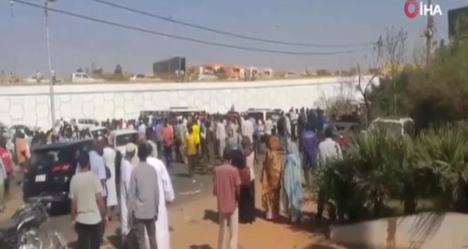 Sudan Başbakanının konvoyuna bomba yüklü araçla saldırı