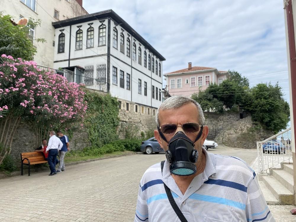 Korona virüse karşı gaz maskesi