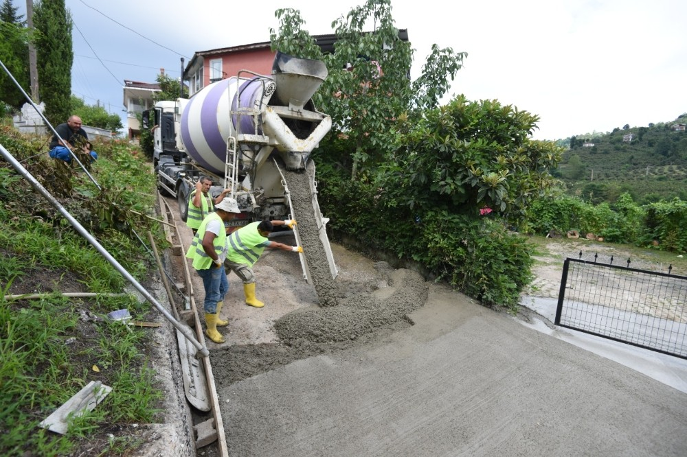Şehit yakınları, gaziler ve engelliler için beton yol