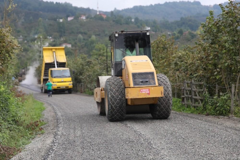Fatsa'da kırsalın asfalt sorunu çözülüyor