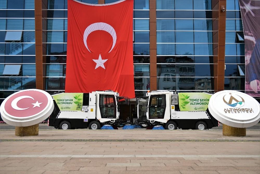 Altınordu Belediyesi araç filosuna 2 yeni araç ekledi