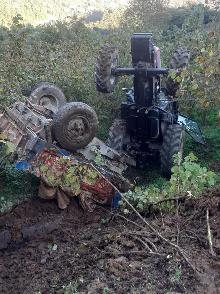 Devrilen traktörden atladı, yara almadan kurtuldu