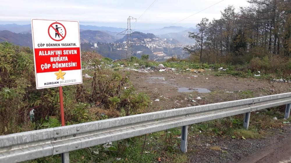 """Belediyeden sitemkar levha: """"Allah'ını seven çöp atmasın"""""""