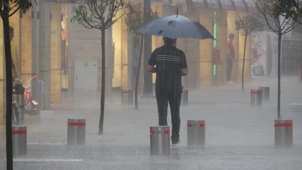 Karadeniz'de 4 il için şiddetli yağış uyarısı
