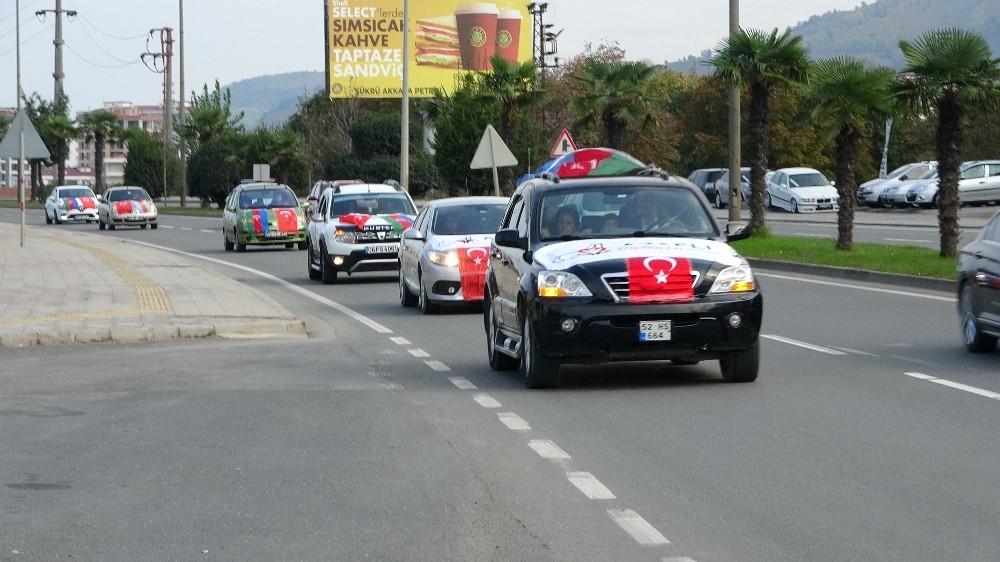 Ordu'da Azerbaycan'a destek konvoyu