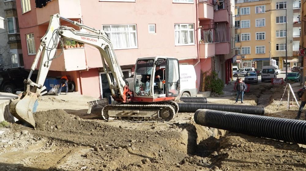 Altınordu Belediyesi, kısıtlama sürecinde nöbetçi ekiplerle sahada