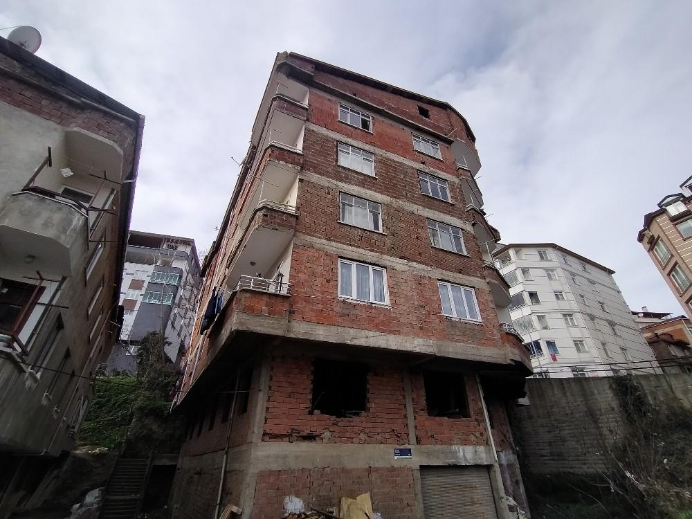 Bu binada 3 günde 8 kere yangın çıktı