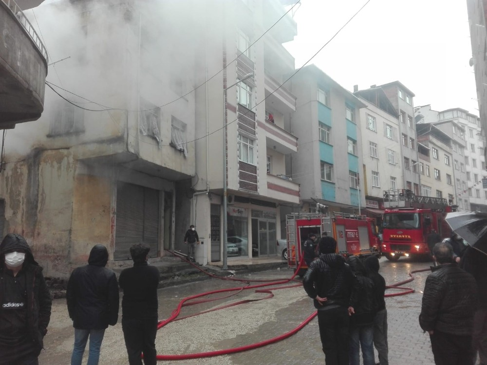 Ordu'da korkutan ev yangını