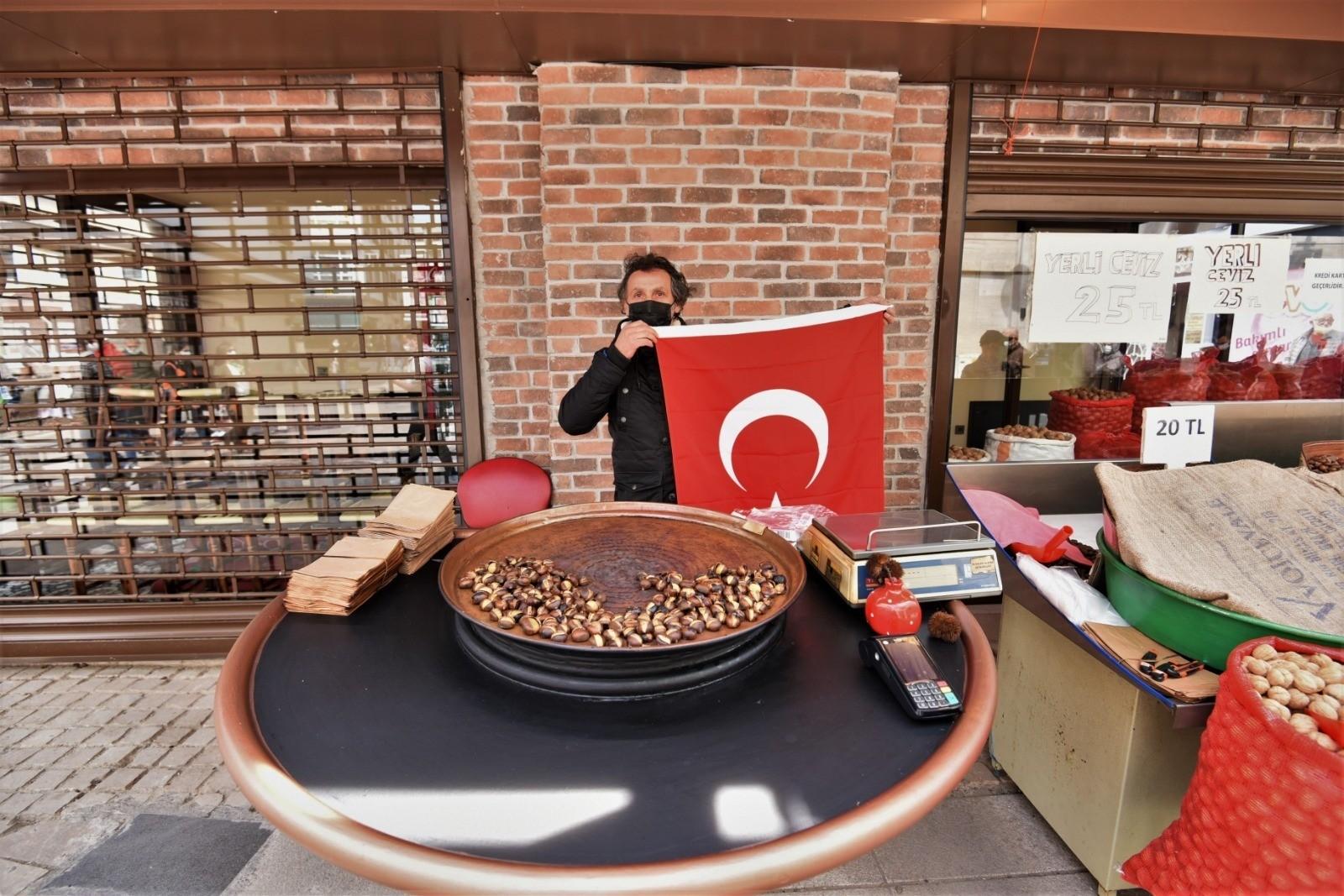 Altınordu Belediyesi, 23 Nisan öncesi Türk Bayrağı dağıttı
