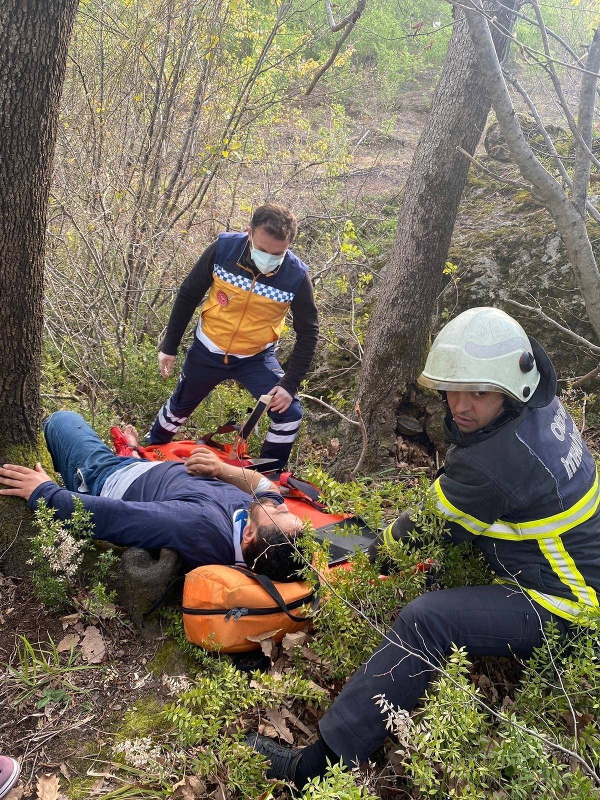Kayalıklardan düşen vatandaş kurtarıldı