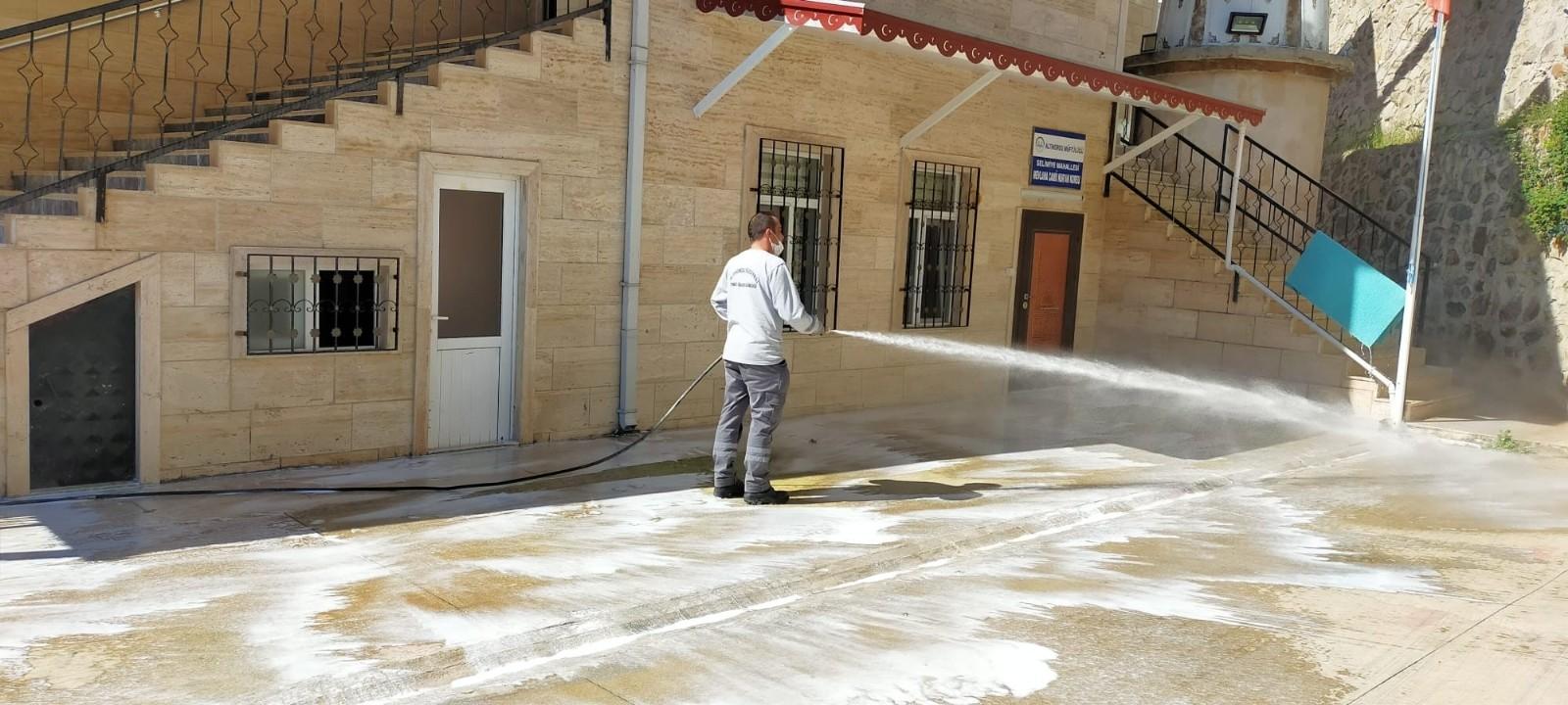 Altınordu'da ibadethanelerde bayram temizliği