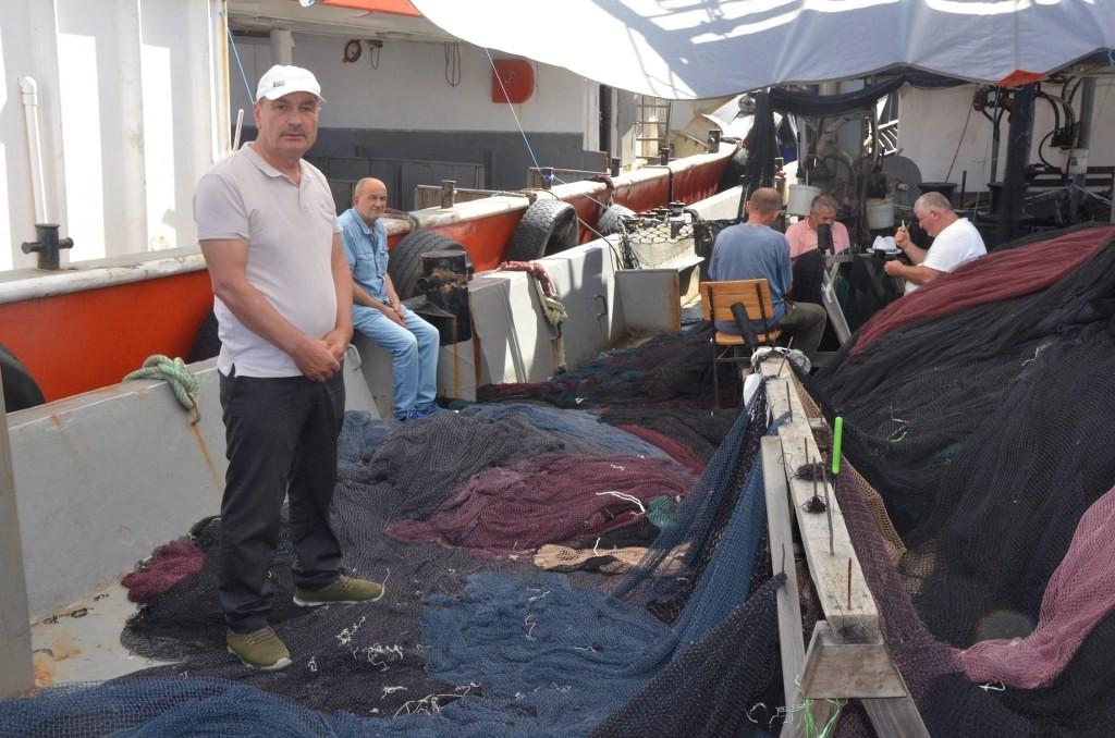 Ordulu balıkçılar sezon sonrası ağ mesaisinde