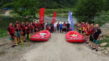 15 Temmuz şehitleri anısına rafting yarışı
