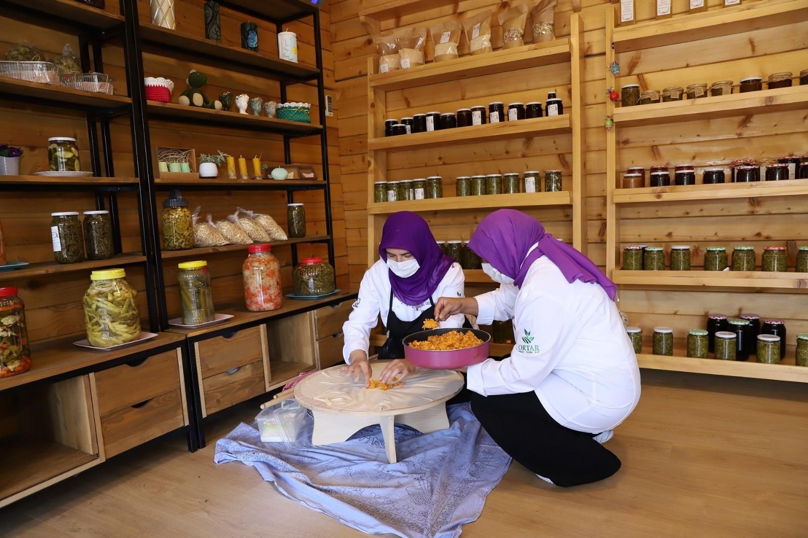 Ordu'da gastronomi eğitimini tamamlayan kadınlar hem üretiyor hem kazanıyor